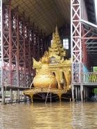 Die Barke der fünf Buddhas